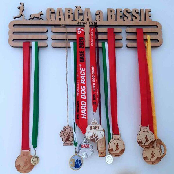 Držák medailí XL